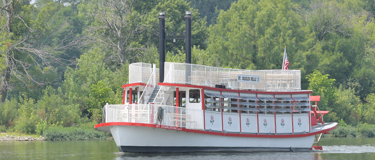 Boating on the Fox River Brings Fun for Families and Friends