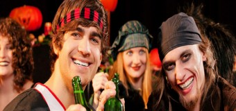 3-Day Halloween Pub Crawl Weekend for 2 or 4 In Chicago